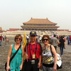 Julie, Robyn and Tour Guide Jacky Wan