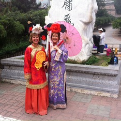 Robyn & Julie in tradtional dress at the Great Wall