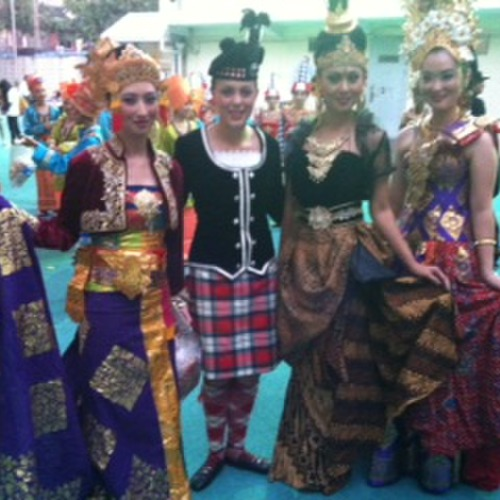 Sarah Robson with Indonesian performers