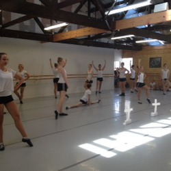 Entire Senior dance class in action